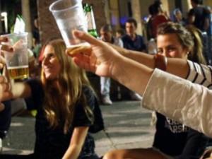 Roma, torna l'ordinanza anti-alcol: ecco tutte le strade dove non si potrà bere di notte