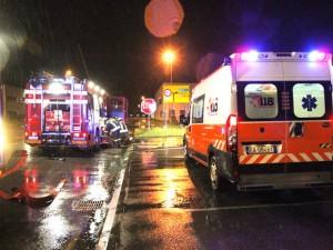 Prenestina, carambola tra tre auto nella notte: quattro i feriti gravi