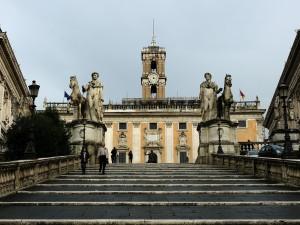 """Roma, tentata violenza su una turista belga: """"Era eccitato, mi sono spaventata e ho urlato"""""""