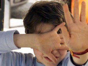 Frosinone, coppia di fratellini scappa di casa per fuggire dalle violenze del padre