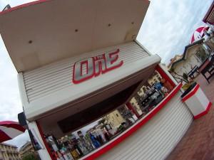 Ostia, nella notte bomba carta contro il chiosco 'The One'