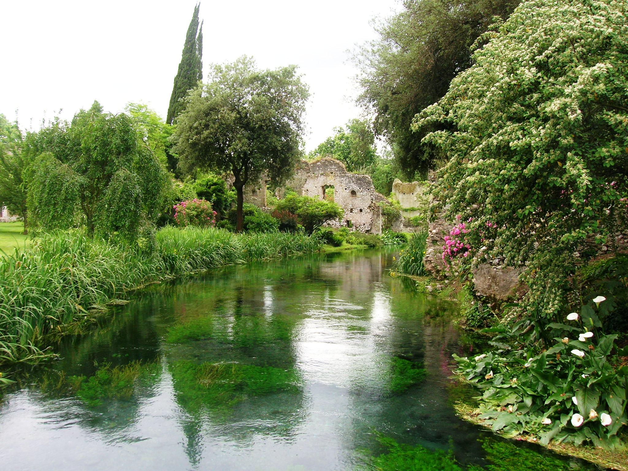 Il parco pi bello d 39 italia il giardino di ninfa i giorni di apertura al pubblico nel 2018 - Giardino d oriente roma ...