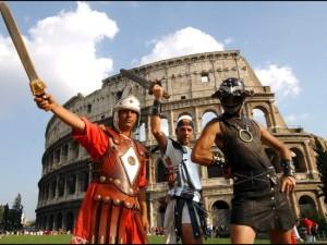 Tornano i centurioni, il tar del Lazio sospende l'ordinanza della sindaca Raggi