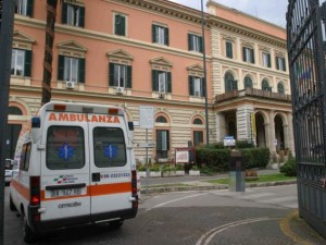 Foto di repertorio – L'entrata del pronto soccorso del Policlinico Umberto I di Roma