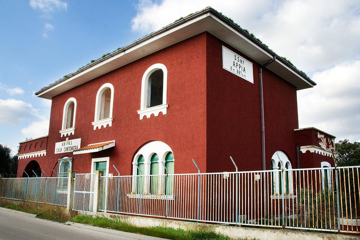 La regione lazio mette a bando 18 case cantoniere che cos for Che disegna progetti per le case