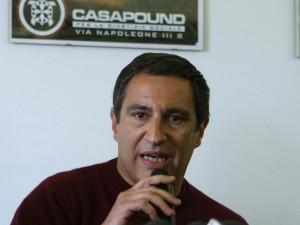 Documento falso per un latitante della camorra: condannato vicepresidente di Casapound
