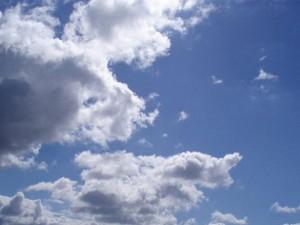 Meteo Roma, sole e qualche nuvola (ma senza pioggia) per il week end del 18 e 19 marzo