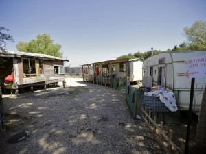 Chiusura campi rom: a marzo la delibera, a maggio fuori da container e baracche