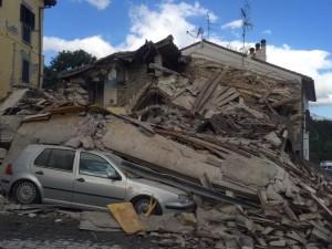 Terremoto Amatrice: almeno 35 morti, si continua a scavare salvate 3 suore