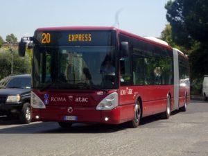 """La proposta: """"Il trasporto pubblico ai privati, Atac non ce la fa più"""". Siete d'accordo?"""
