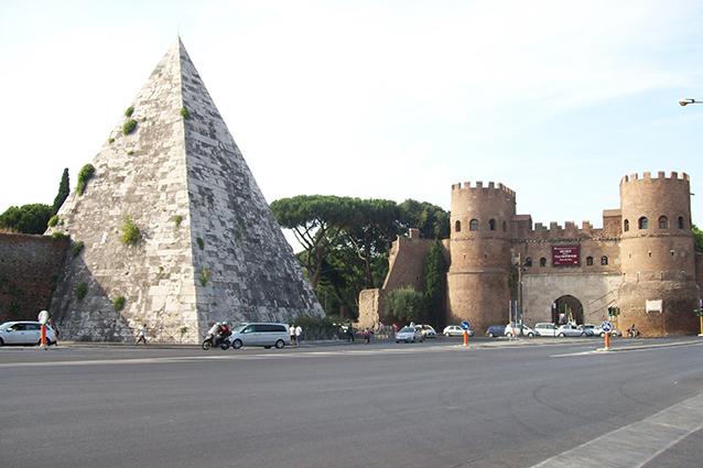 Visita della piramide cestia a roma mappa orario e prezzi for Emmerre arredamenti ostia antica orari