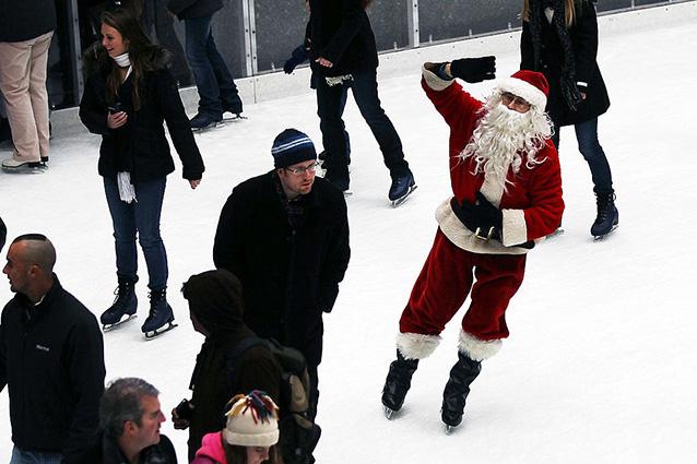 Piste di pattinaggio sul ghiaccio a Roma: un Natale divertente a ritmo di musica
