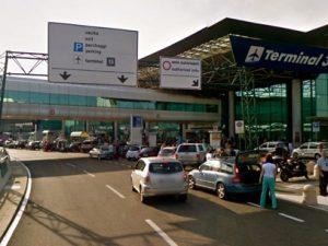 Si sente male all'aeroporto di Fiumicino: morta una signora serba di 71 anni