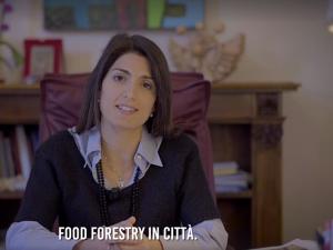 """Il video di Raggi (in perfetto inglese) per la conferenza sul clima: """"Roma vuole diventare città leader"""""""