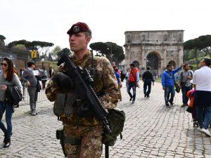 Allarme terrorismo a Roma: Pasqua blindata per la Messa del Papa