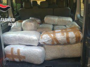 Bloccato narcotrafficante alle porte di Roma: nel furgone 260 chili di marijuana