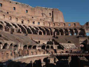 """Scontro tra Raggi e il ministro Franceschini sul Parco del Colosseo: """"A Roma non resta niente"""""""