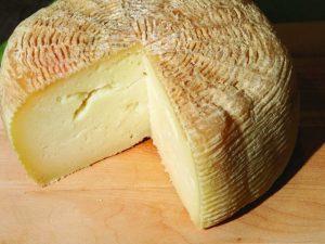 Il pecorino, prodotto tipico della tradizione romana.