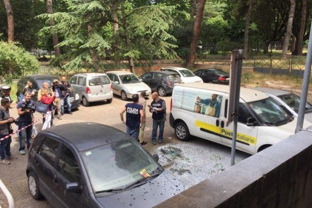 """Esplosione a Roma, testimoni: """"Due deflagrazioni una più potente"""""""