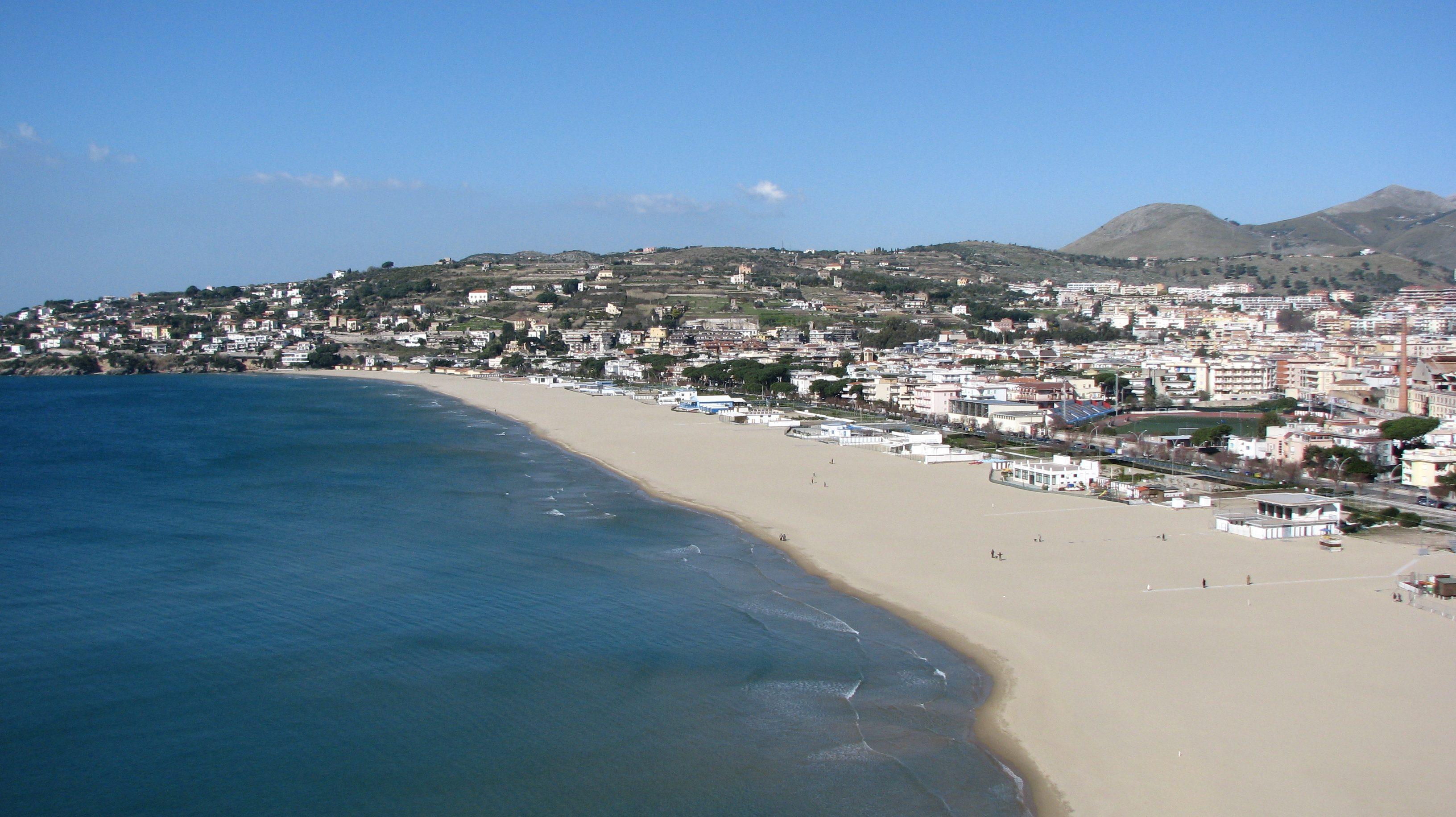 Matrimonio Spiaggia Anzio : Bandiere blu nel lazio otto spiagge premiate anzio