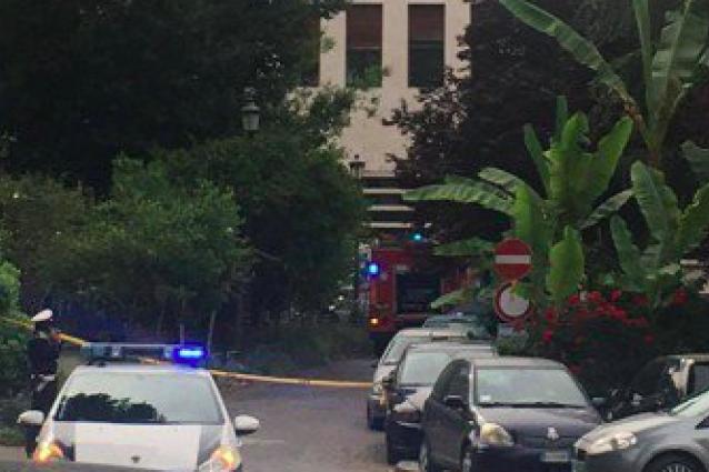 Esplosione a Roma in via Marmorata di fronte al Palazzo delle Poste