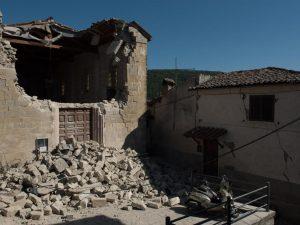 """Terremoto Accumoli, indagini sul crollo della chiesa: """"Lavori di consolidamento per soli 800 euro"""""""