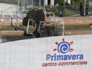 Sorelline bruciate vive nel loro camper, il messaggio di Papa Francesco