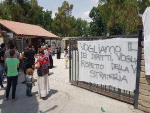 """Il 30 giugno chiude il Camping River. I rom: """"Non vogliamo tornare nelle baracche"""""""