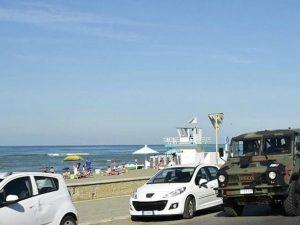 Allerta terrorismo, i soldati presidieranno le spiagge di Ostia per tutta l'estate