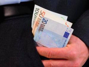 Reddito di inclusione, 485 euro al mese per le famiglie: ecco come fare domanda a Roma