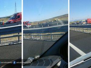 Incidente sull'autostrada Roma-Fiumicino, si ribalta un tir: due feriti