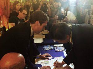 Atac, il ministro Calenda firma il referendum per liberalizzare il trasporto pubblico locale