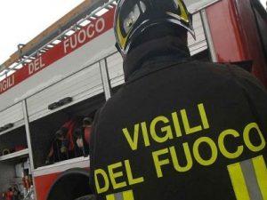 Incendio in un appartamento al Pigneto nella notte: muore una donna di 59 anni