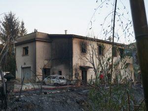 Grosso incendio a Tivoli, due persone muoiono tra le fiamme