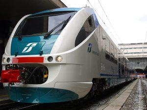 Frosinone, dimentica lo zaino con duemila euro sul treno: glielo riconsegnano