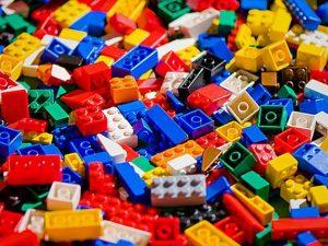 Brikmania: arriva a Roma la mostra dedicata al mondo dei mattoncini Lego