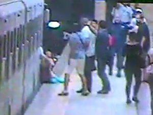 """Parla la donna trascinata dalla metro a Roma: """"Non so se tornerò mai a camminare"""""""