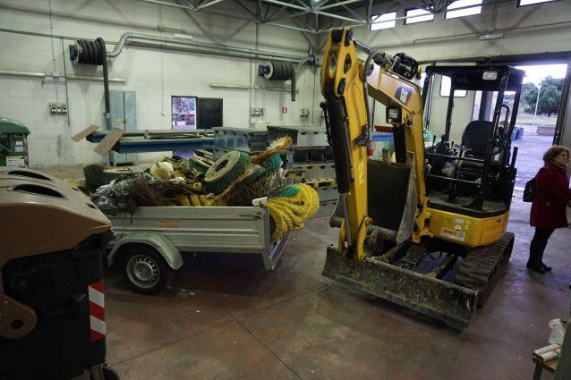 A Ostia un'officina dell'Ama abbandonata da tre anni: uno spreco da 1,2 milioni di euro