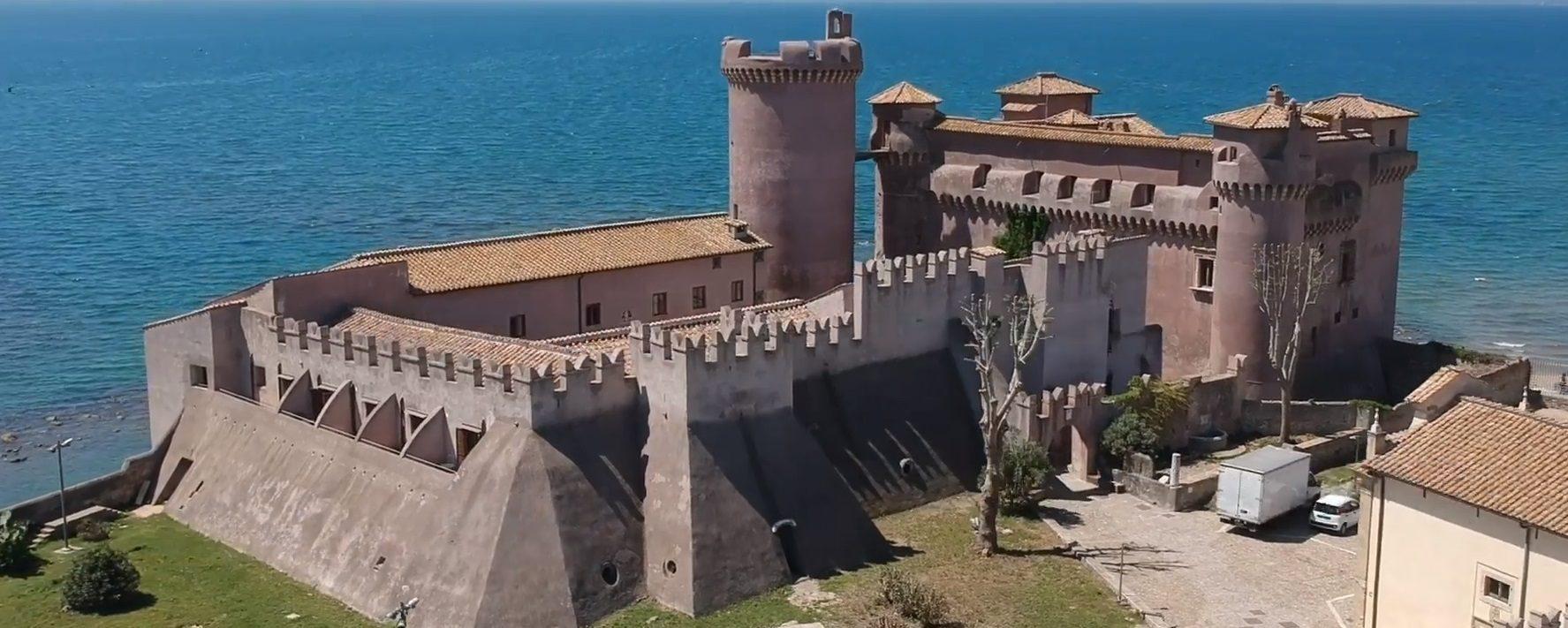 Letto A Castello Lazio.Quanto Costa Dormire Nel Castello Di Santa Severa L Ostello Piu