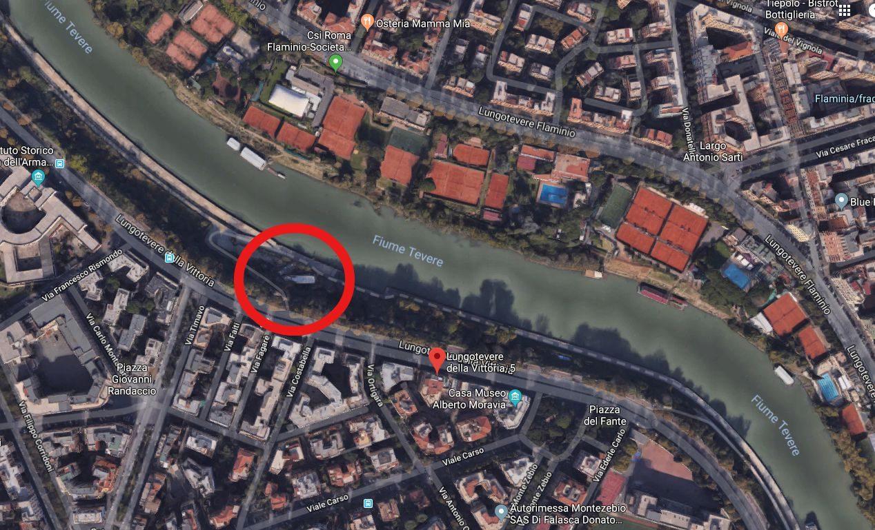 Dove si trova la 'nave fantasma'. Il secondo relitto che si vede nella mappa è stato rimosso. Foto Google Maps