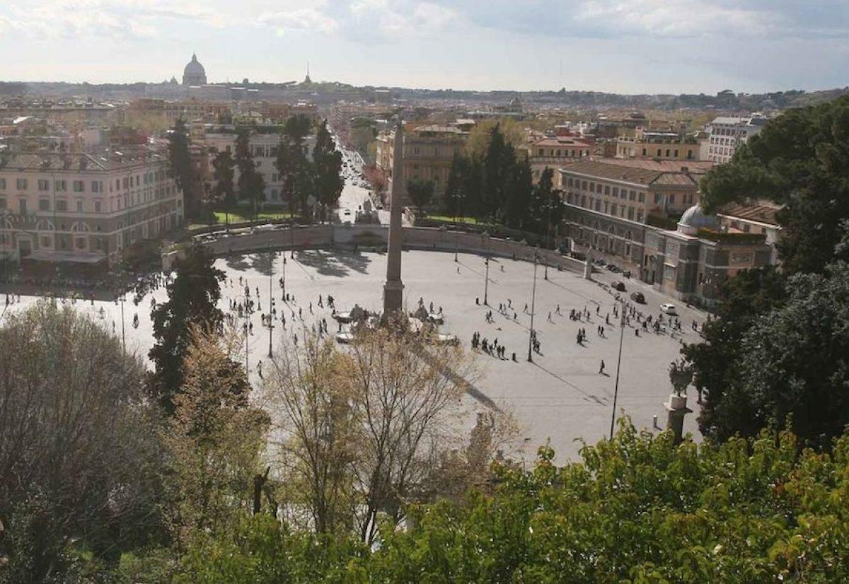 Roma Choc In Centro Un Uomo Si Lancia Dalla Terrazza Del