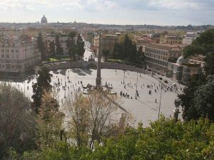 Roma, choc in centro: un uomo si lancia dalla terrazza del Pincio e ...