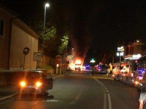 L'incendio sull'autobus Atac della linea 98 in via Aurelia Antica a Roma