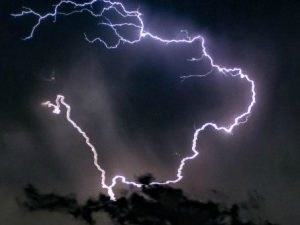 Temporale con lampi e tuoni (Immagine La Presse)