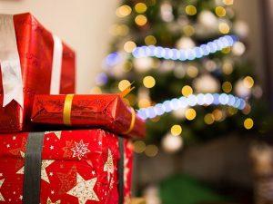 Truffa di Natale agli anziani: falsi corrieri e pacchi vuoti