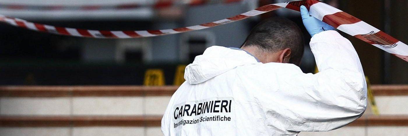 Trovato cadavere di un uomo in un parcheggio alla Garbatella: forse morto per overdose
