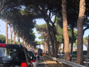 """Roma, l'appello: """"Non andate nelle case al mare, è vietato a"""