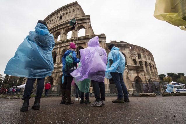 Roma: piove, ma nessuna tempesta. Giusto chiudere le scuole?