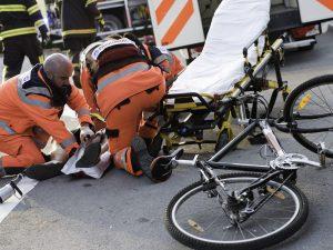 Viterbo, ciclista falciato da un Suv sulla Cassia: giovane p