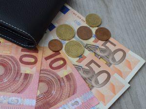 Incassavano la pensione dei genitori morti: 3 milioni di eur